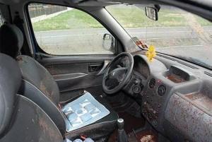 brulure-schnaps-voiture-interieur