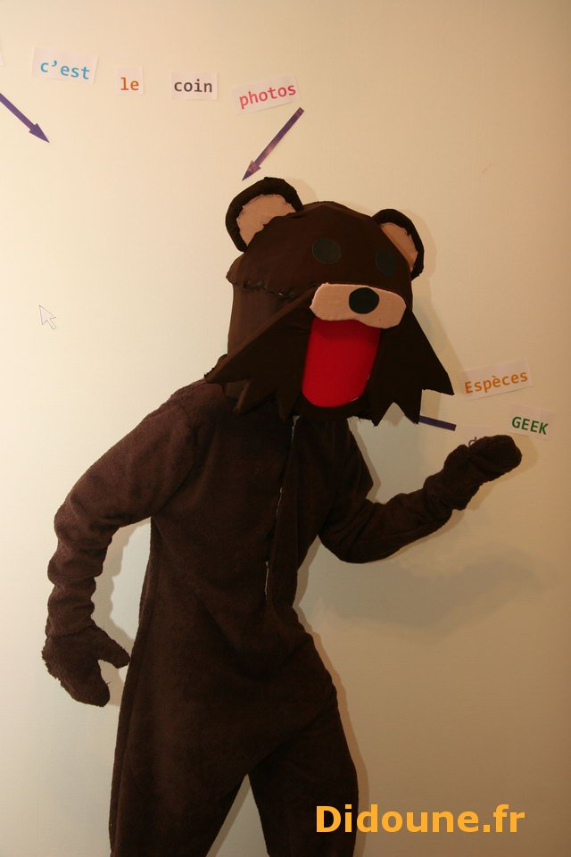 cr er son d guisement de pedobear cosplay. Black Bedroom Furniture Sets. Home Design Ideas