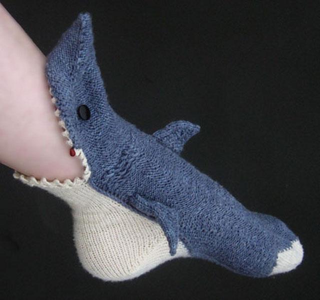 patron tricot pantoufle requin