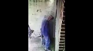 douche-rue-pisser